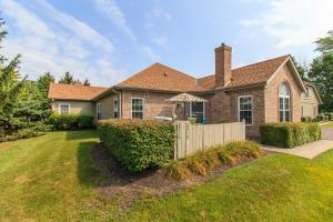 2316 Willowside Lane, Grove City, OH 43123
