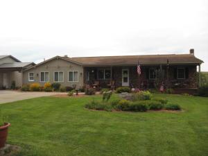 3814 Winegardner Rd., Somerset, OH 43783