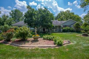 Property for sale at 3715 W Henderson Road, Upper Arlington,  OH 43220