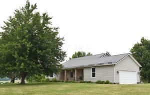 Casa Unifamiliar por un Venta en 28660 State Route 143 Albany, Ohio 45710 Estados Unidos
