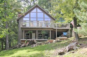 Casa Unifamiliar por un Venta en 539 Navajo Hide Away Hills, Ohio 43107 Estados Unidos
