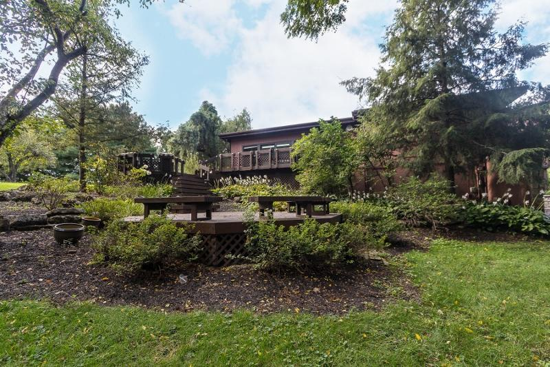 Photo of home for sale at 1080 Sunbury Road S, Westerville OH