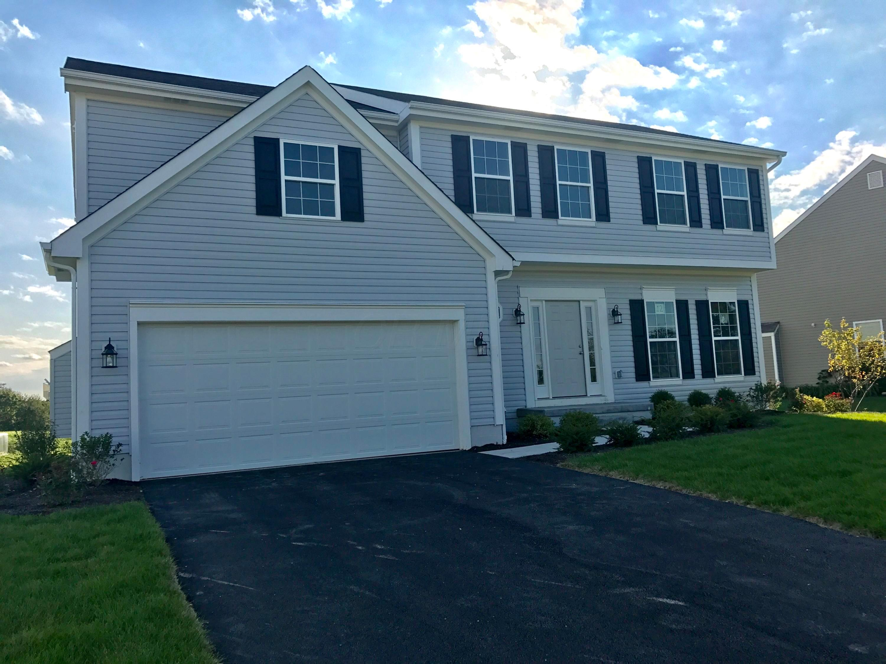 Photo of home for sale at 147 Terrier Court, Pataskala OH