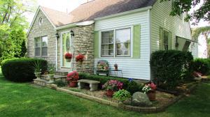 独户住宅 为 销售 在 1114 Springlawn Harrisburg, 俄亥俄州 43126 美国