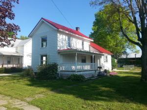 独户住宅 为 销售 在 56 Main Greenwich, 俄亥俄州 44837 美国