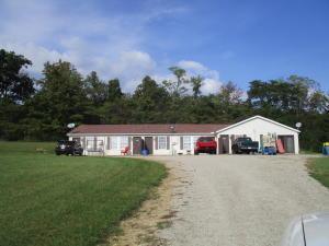 Casa Multifamiliar por un Venta en 1821 Sulphur Lick Frankfort, Ohio 45628 Estados Unidos