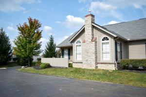 Condominio por un Venta en 6718 Lakeview 6718 Lakeview Canal Winchester, Ohio 43110 Estados Unidos