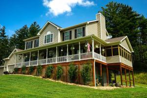 独户住宅 为 销售 在 18522 Krafter 18522 Krafter Laurelville, 俄亥俄州 43135 美国