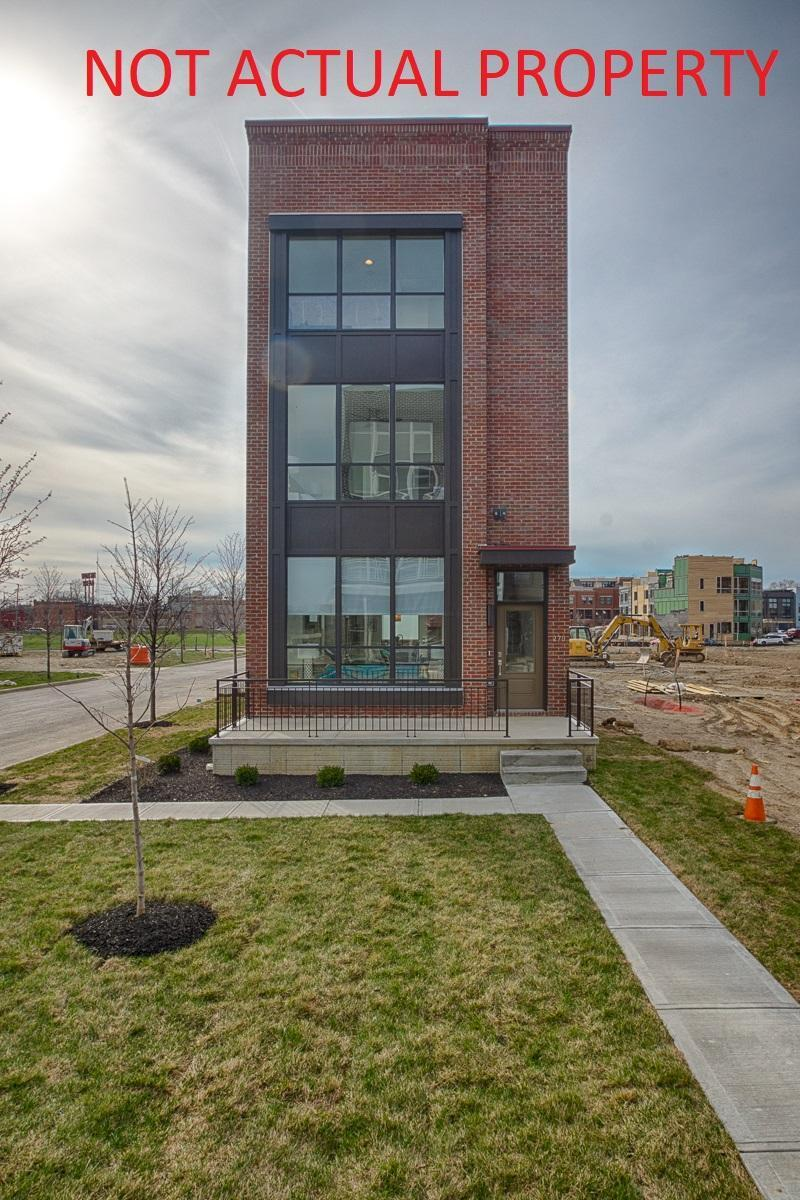 Photo of home for sale at 292 Cornelius Street, Columbus OH