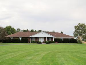 独户住宅 为 销售 在 4425 Jefferson Kiousville 4425 Jefferson Kiousville London, 俄亥俄州 43140 美国