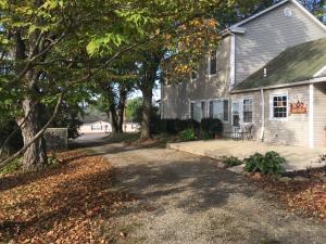 Single Family Home for Sale at 25738 Tarlton Adelphi 25738 Tarlton Adelphi Laurelville, Ohio 43135 United States