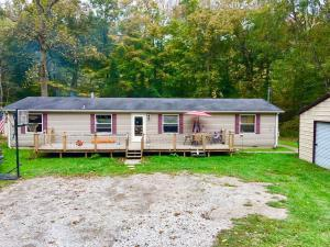 Single Family Home for Sale at 14811 Wollet 14811 Wollet Nelsonville, Ohio 45764 United States
