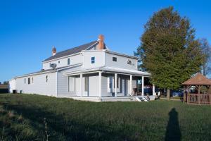 Casa Unifamiliar por un Venta en 13410 Perry 13410 Perry Kingston, Ohio 45644 Estados Unidos