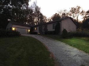 Casa Unifamiliar por un Venta en 16391 Divelbiss 16391 Divelbiss Fredericktown, Ohio 43019 Estados Unidos