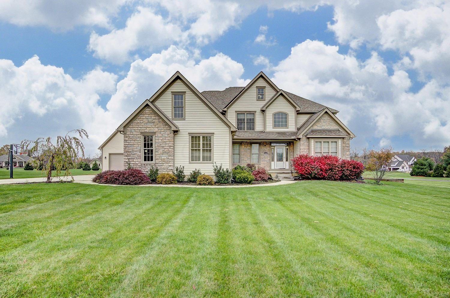 Photo of home for sale at 4239 Curve Road, Delaware OH
