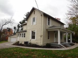 独户住宅 为 销售 在 693 Jacksontown 693 Jacksontown Heath, 俄亥俄州 43056 美国