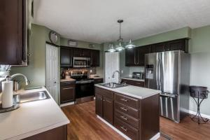 Property for sale at 404 Evergreen Circle, Pickerington,  OH 43147
