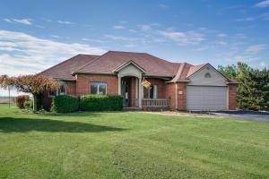 独户住宅 为 销售 在 4996 State Route 56 4996 State Route 56 London, 俄亥俄州 43140 美国