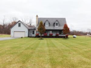 Single Family Home for Sale at 699 Township Road 206 699 Township Road 206 Marengo, Ohio 43334 United States