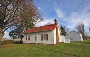 独户住宅 为 销售 在 18210 Roberts 18210 Roberts Fredericktown, 俄亥俄州 43019 美国