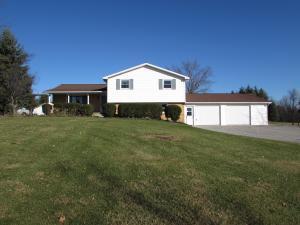 独户住宅 为 销售 在 3159 County Road 10 3159 County Road 10 Bellefontaine, 俄亥俄州 43311 美国