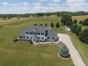 独户住宅 为 销售 在 10418 Rankin 10418 Rankin Glenford, 俄亥俄州 43739 美国