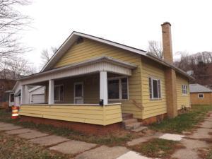 独户住宅 为 销售 在 842 Poplar 842 Poplar Nelsonville, 俄亥俄州 45764 美国