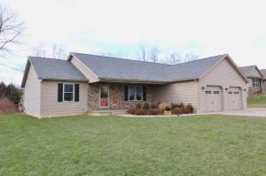 Single Family Home for Sale at 5005 Brentwood 5005 Brentwood Nashport, Ohio 43830 United States