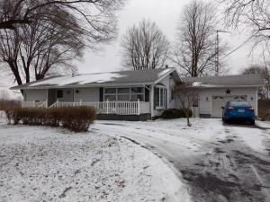 Single Family Home for Sale at 13908 State Route 31 13908 State Route 31 Kenton, Ohio 43326 United States