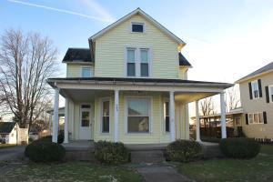 独户住宅 为 销售 在 406 1st 406 1st New Lexington, 俄亥俄州 43764 美国