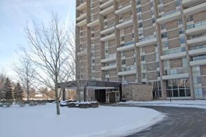 共管式独立产权公寓 为 销售 在 1000 Urlin 1000 Urlin Grandview Heights, 俄亥俄州 43212 美国