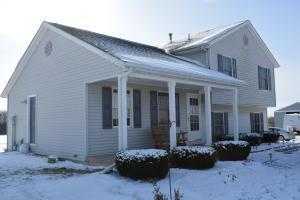 独户住宅 为 销售 在 5831 State Route 296 5831 State Route 296 Cable, 俄亥俄州 43009 美国