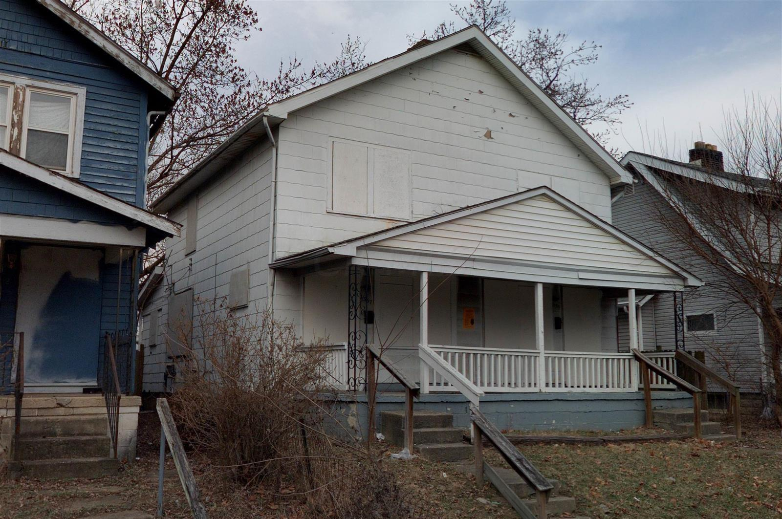 Photo of home for sale at 2357 Linden Avenue, Columbus OH