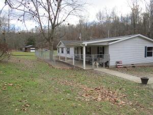 Casa Unifamiliar por un Venta en 18977 State Route 555 18977 State Route 555 Cutler, Ohio 45724 Estados Unidos