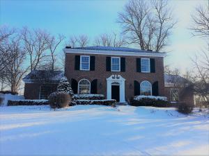 独户住宅 为 销售 在 248 Thornewood 248 Thornewood Granville, 俄亥俄州 43023 美国