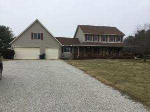 独户住宅 为 销售 在 11797 Walnut Creek 11797 Walnut Creek Ashville, 俄亥俄州 43103 美国