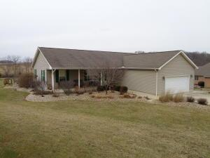 Single Family Home for Sale at 380 Fox Hill 380 Fox Hill Chillicothe, Ohio 45601 United States