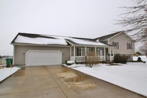 Single Family Home for Sale at 6780 Old Stagecoach 6780 Old Stagecoach Frazeysburg, Ohio 43822 United States