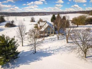 独户住宅 为 销售 在 3600 Granview 3600 Granview Granville, 俄亥俄州 43023 美国