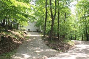 独户住宅 为 销售 在 439 Kusa 439 Kusa Hide Away Hills, 俄亥俄州 43107 美国