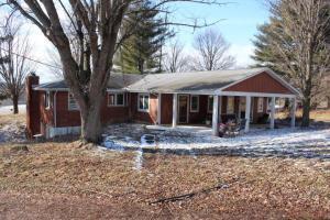 Single Family Home for Sale at 25932 Tarlton Adelphi 25932 Tarlton Adelphi Laurelville, Ohio 43135 United States