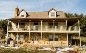 独户住宅 为 销售 在 10770 Township Rd 67 10770 Township Rd 67 Killbuck, 俄亥俄州 44637 美国