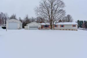 独户住宅 为 销售 在 110 Kochheiser 110 Kochheiser Bellville, 俄亥俄州 44813 美国