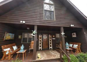 独户住宅 为 销售 在 1640 Cardinal Hill 1640 Cardinal Hill Hide Away Hills, 俄亥俄州 43107 美国