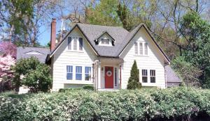 Property for sale at 1 Kenyon Brook Drive, Worthington,  OH 43085
