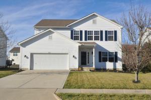 Casa Unifamiliar por un Venta en 165 Butternut Pass 165 Butternut Pass Commercial Point, Ohio 43116 Estados Unidos