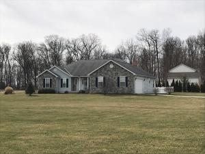 Single Family Home for Sale at 5945 Oak Creek 5945 Oak Creek Baltimore, Ohio 43105 United States