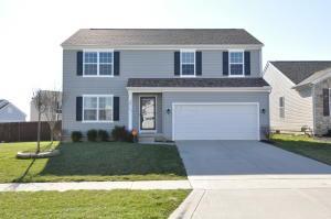 Casa Unifamiliar por un Venta en 143 Cottonwood 143 Cottonwood Commercial Point, Ohio 43116 Estados Unidos