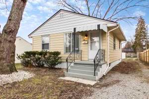 Property for sale at 998 E Weber Road, Columbus,  OH 43211