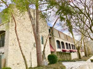 共管式独立产权公寓 为 销售 在 1228 Ashland 1228 Ashland Grandview Heights, 俄亥俄州 43212 美国